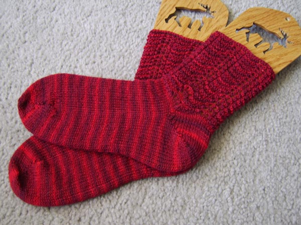 feather-and-fan-socks
